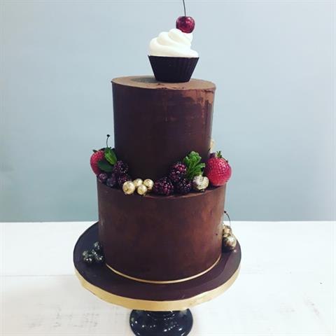 Ganache cake with glittered fruit